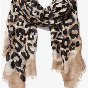 bundle of 4 Express Overlapping Leopard Scarves